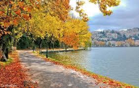 Kastoria the lake at autumn
