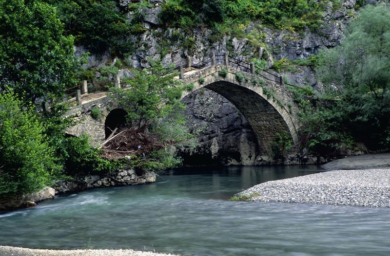 Grevena Portitsa brige-stone1