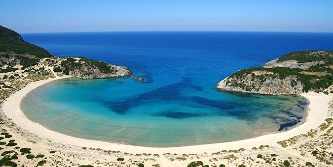 most exotic Greek beaches_Voidokoilia, Peloponnese