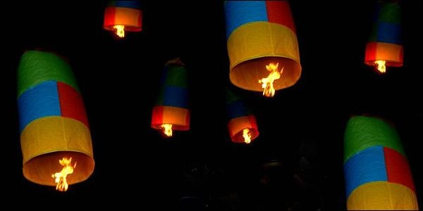Leonidio Hot-air Balloons Released at Easter
