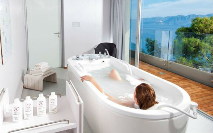 Hotel bathrooms with breathtaking Greece views